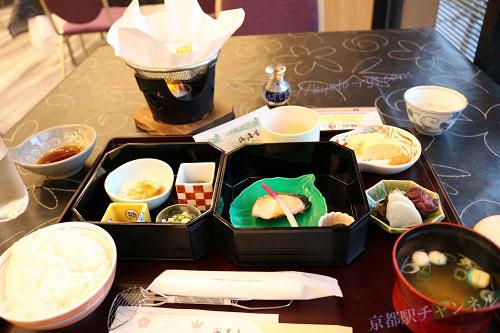 京湯元ハトヤ瑞鳳閣の朝食